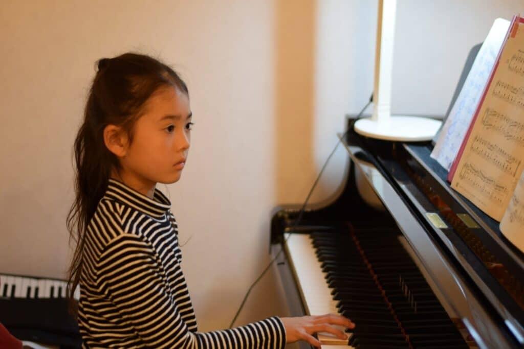 個人ピアノ教室に子供が通うメリット・デメリット