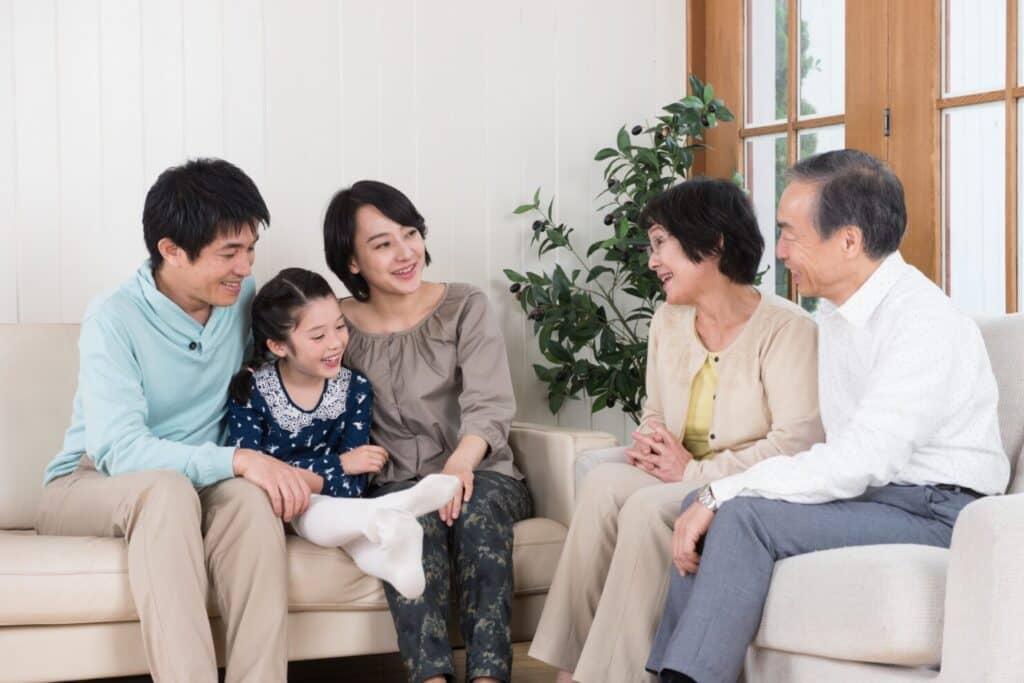 子供には何歳からお小遣いをあげる?