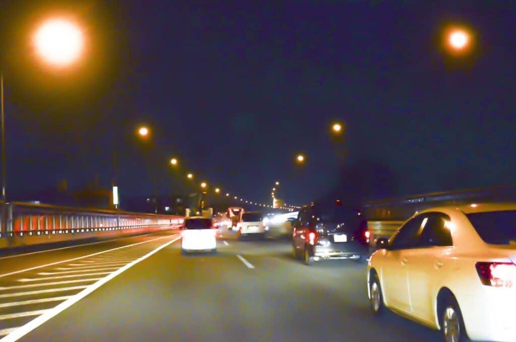 車は夜間・長時間運転をしない