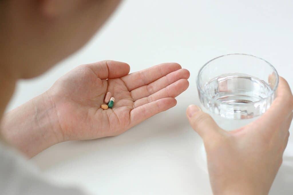 妊娠中に眠れないときは薬を飲んでいい?