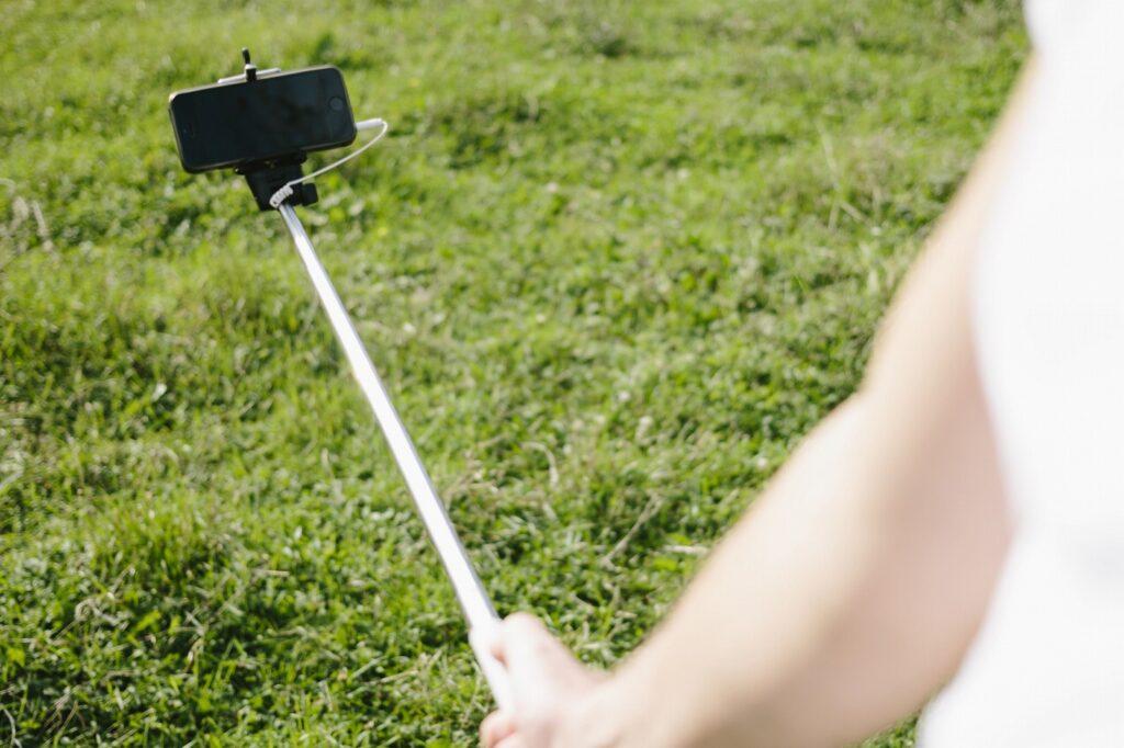 子供との自撮りや手ブレ防止に便利なアイテム