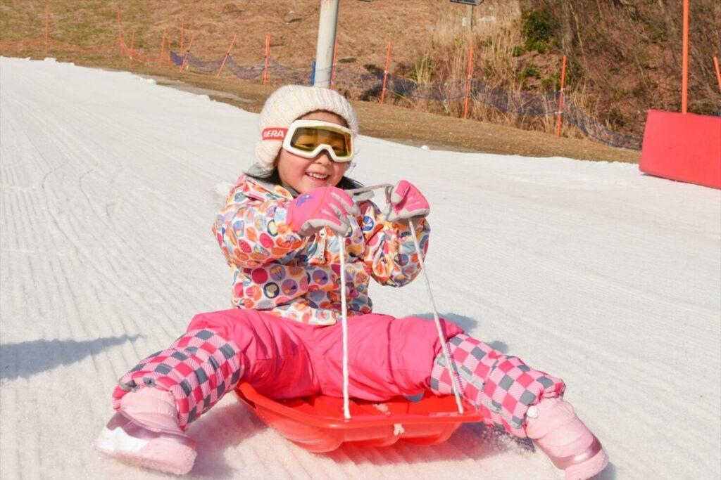 スキーウェアで子供とウィンタースポーツを楽しもう!