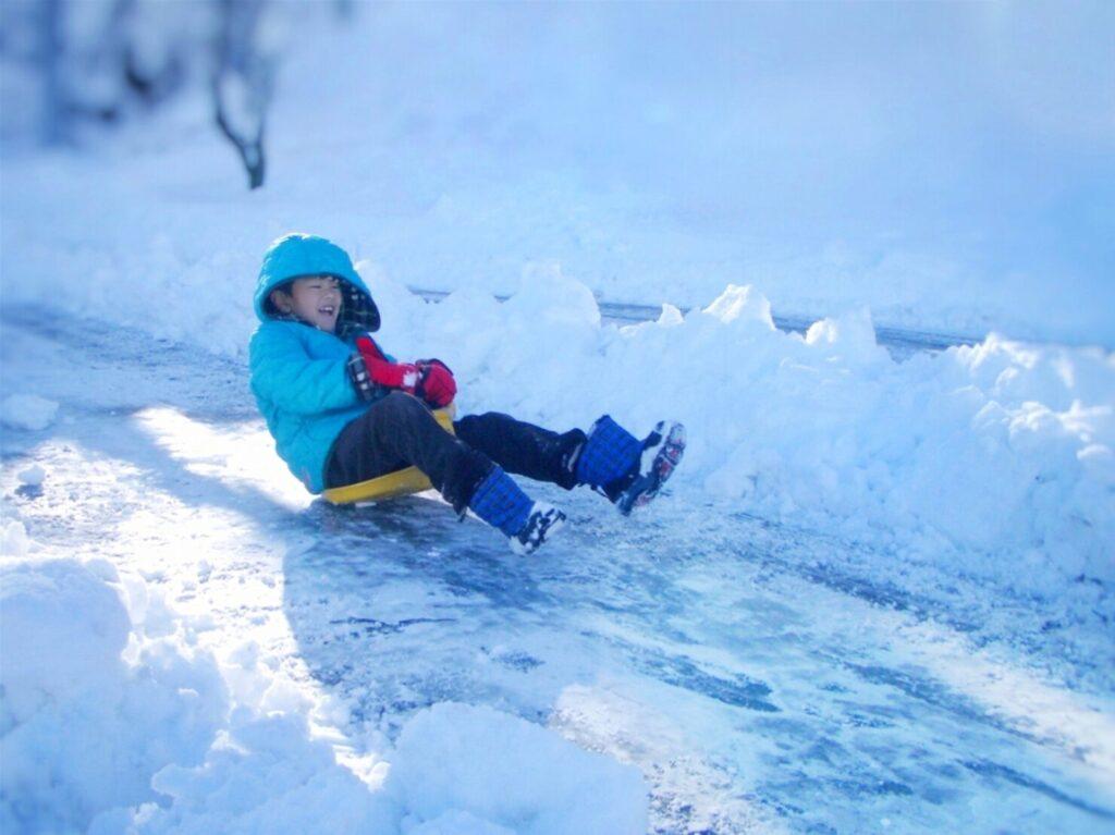 子供用スキーウェアの選び方は?