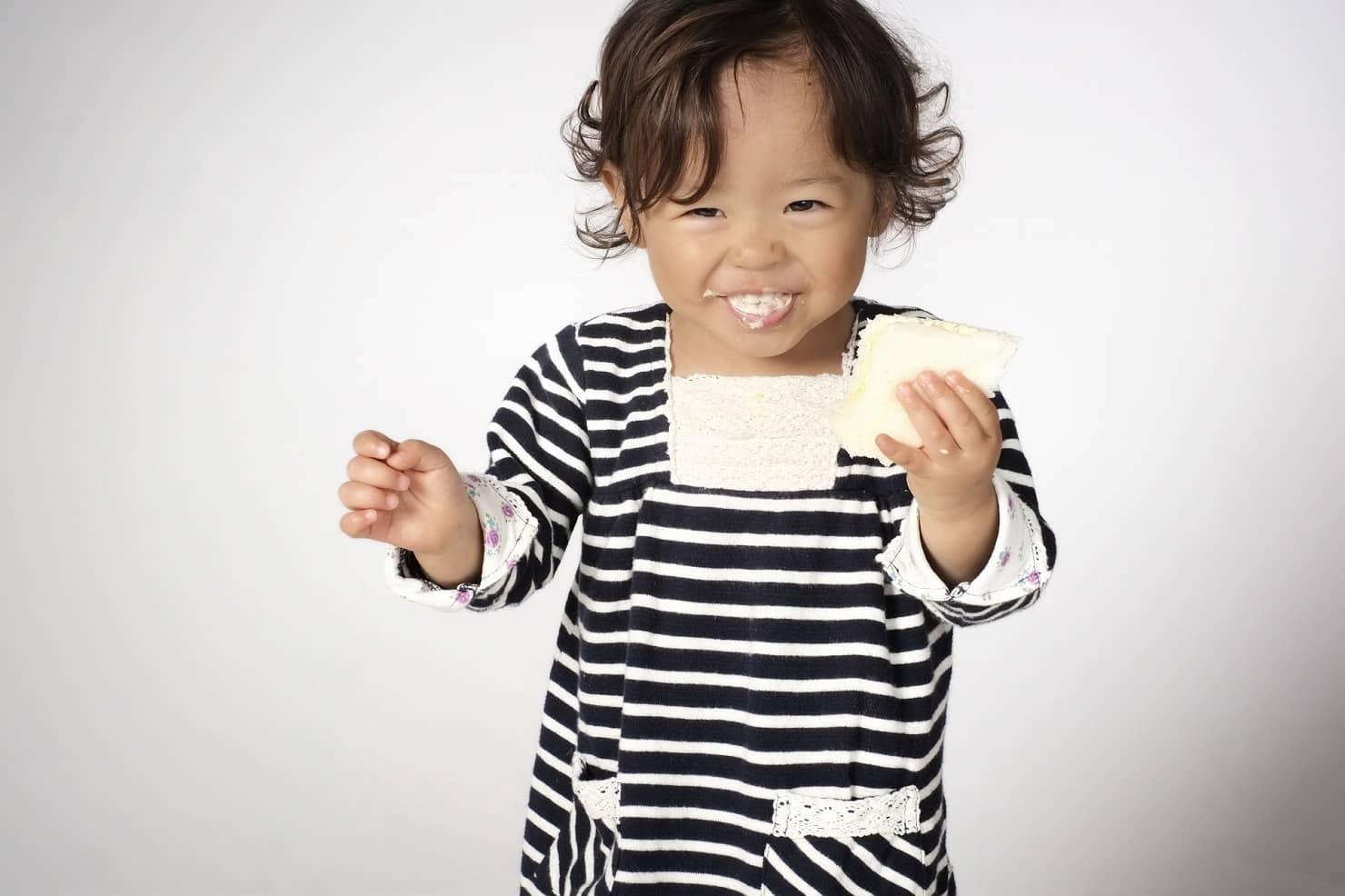 1歳の離乳食ケーキ:食パン