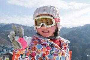 子供用スキーウェアおすすめ10選 つなぎ・セパレートなど種類別に紹介 選び方もチェック!