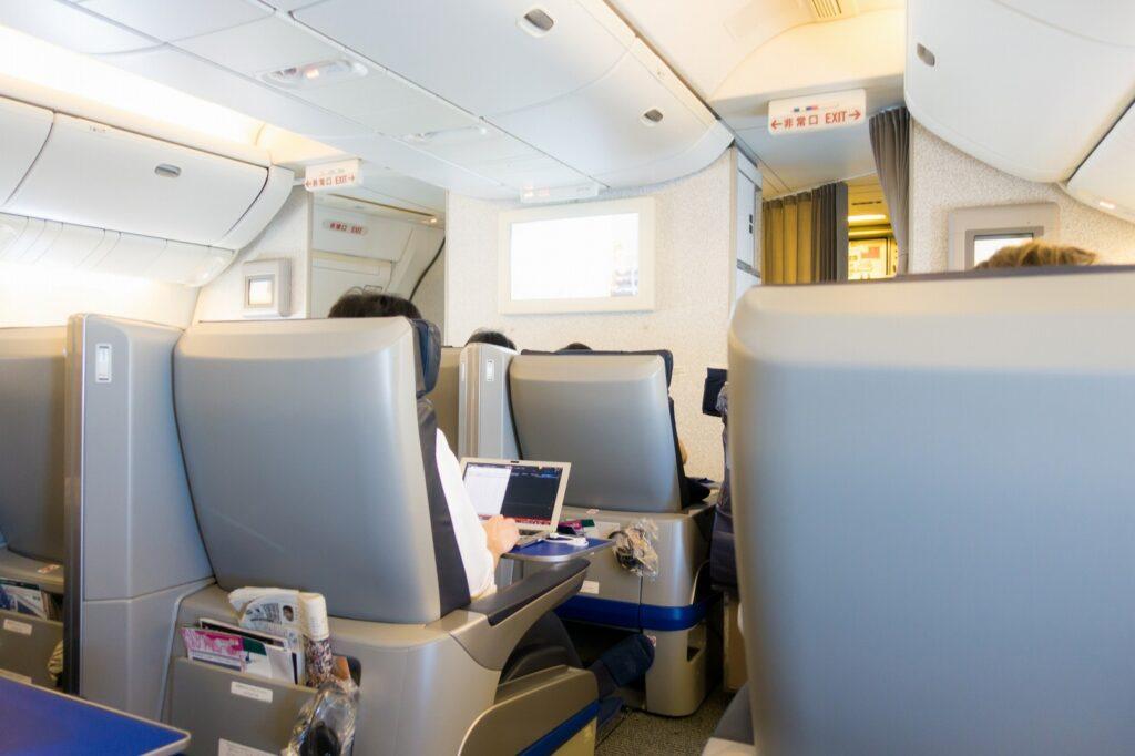 妊娠初期の飛行機搭乗を快適に過ごすために