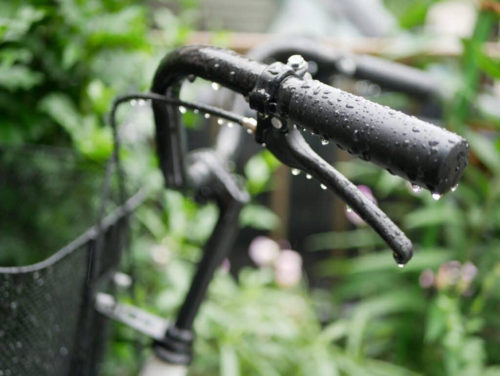 雨の日に子供を乗せて自転車に乗る時の注意点