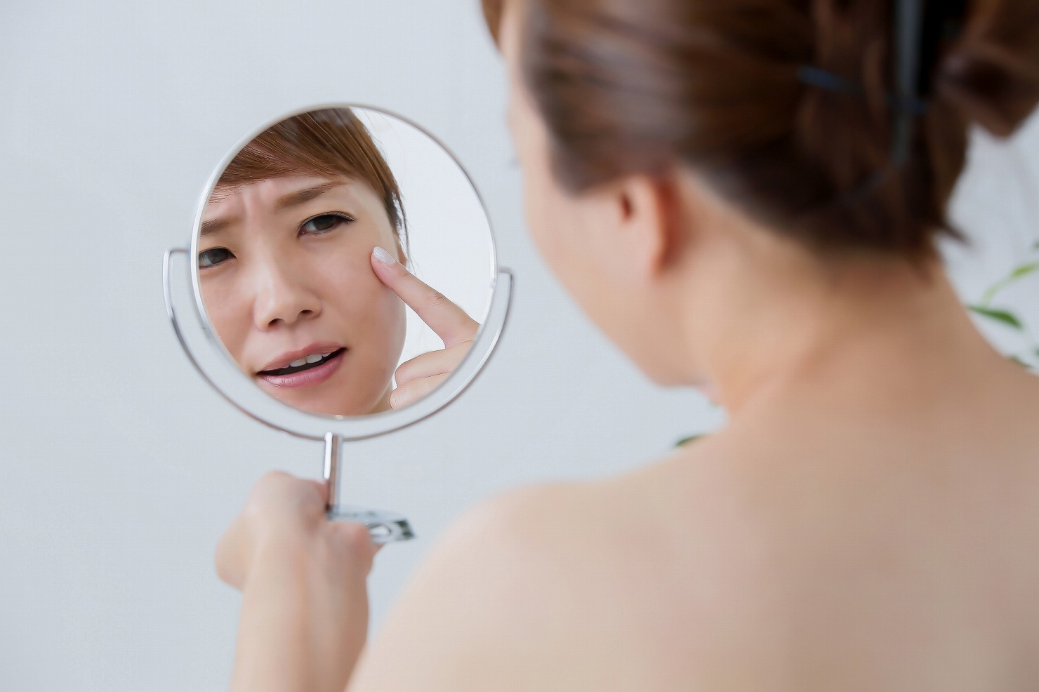 シミやそばかすに悩むママ向け! おすすめ化粧水3選