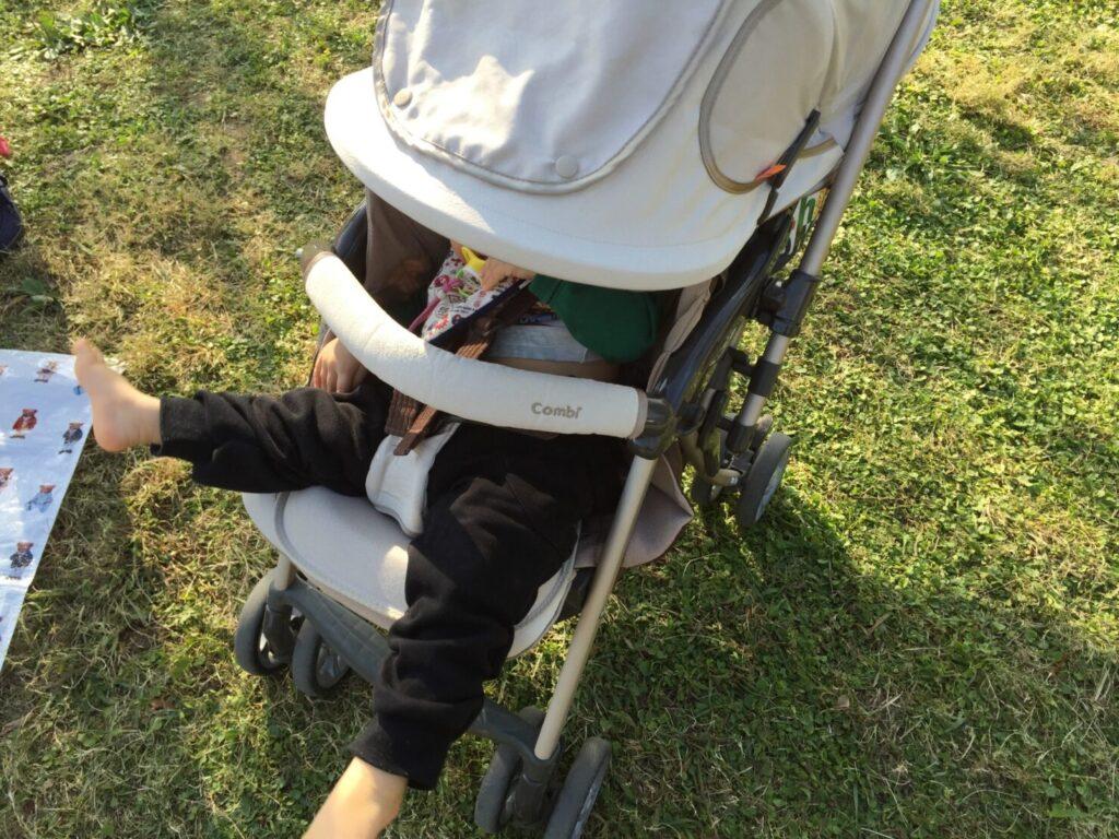 真夏のベビーカーでの散歩は注意が必要! 暑さ対策はどうしたらいいの?