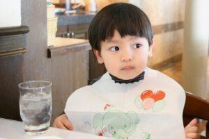 1歳児の食事、量や固さはどれくらい? 離乳食を食べない時の対策も紹介