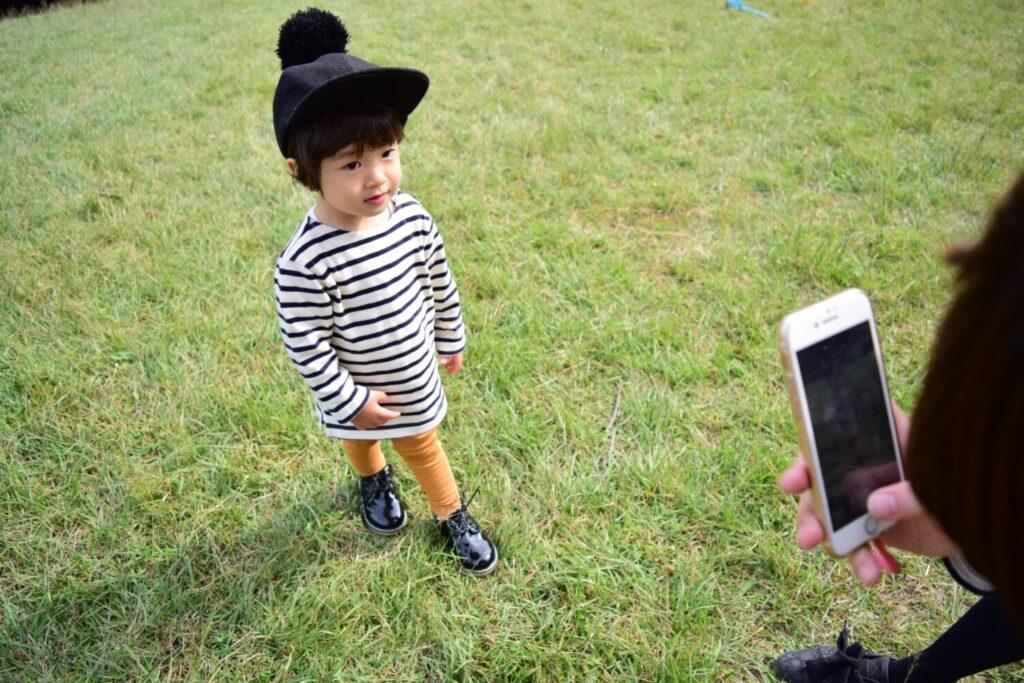 恥ずかしがりやの子供を撮影するコツ