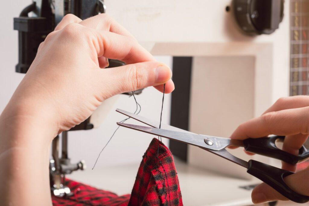 スタイを手作りする方法1:型紙を使って1から作る