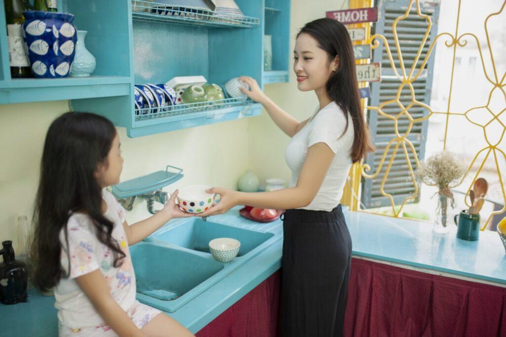 子育て世帯におすすめ? 食洗機のメリットやデメリットは?