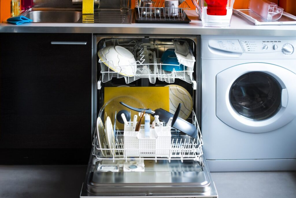 食洗機は子育て世代に人気の家電!