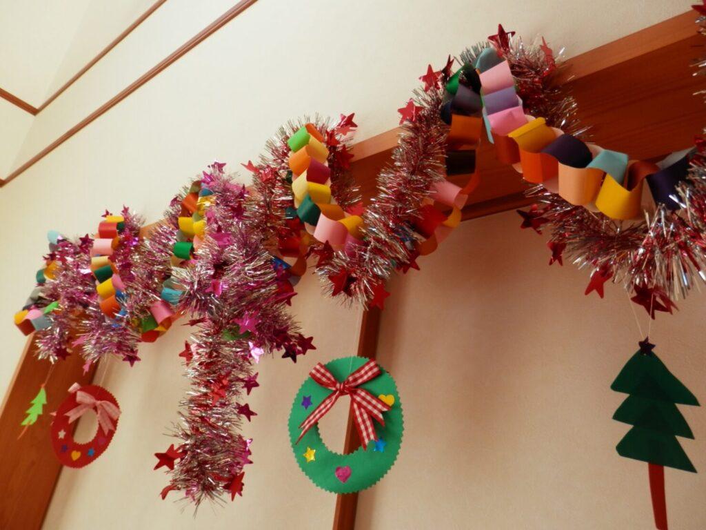 折り紙でクリスマスの紙飾りを作ろう!