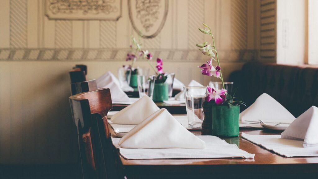 ペーパーナプキンがあれば華やかなテーブルに