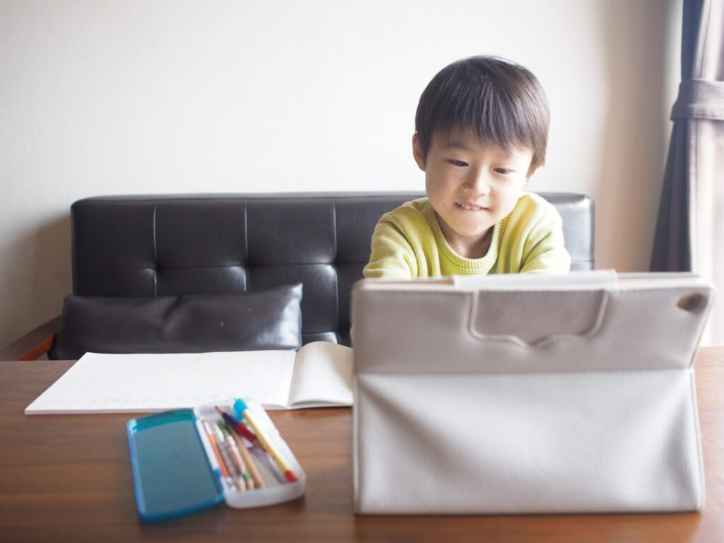 幼児〜中学生の学びに最適? 注目の「タブレット学習」とは