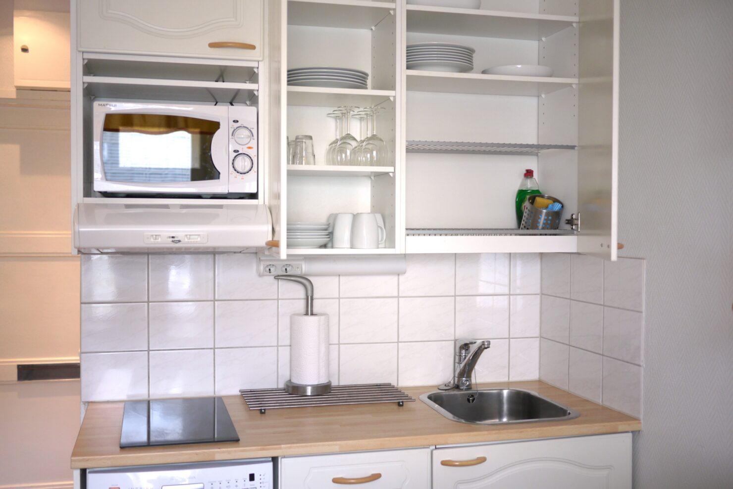 食器の収納はアイテム・収納場所ごとに変えるとスッキリ!