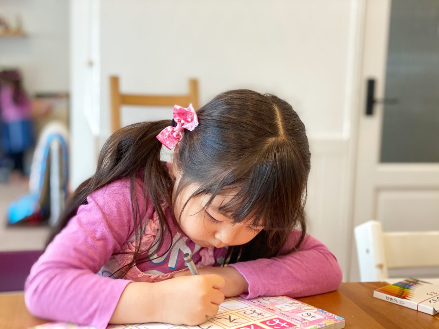 家庭で幼児教育をするメリット・デメリット