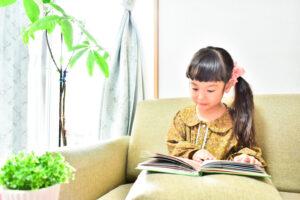 【保育士が選ぶ】2歳・3歳・4歳・5歳におすすめの絵本12選 「学び」につながる絵本を大特集